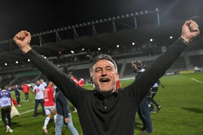 HLV Lille từ chức sau khi vô địch Pháp